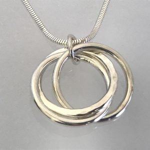 Triple silver infinity necklace 1