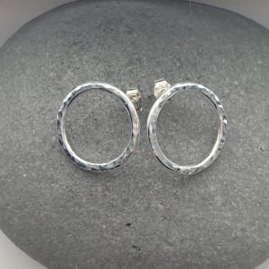 Sterling silver hammered circle stud earrings 1