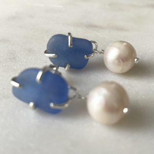 Corn flower Blue sea glass and pearl stud earrings 12